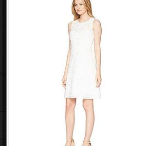TAYLOR Soft Petal Textured Cocktail Dress White